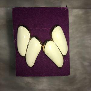 VTG MONET White Enamel&Goldtone Clip On Earrings